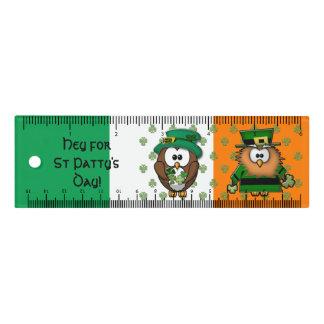 Búho de día del St. Patty - regla