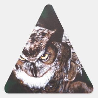 Búho en la noche pegatina triangular