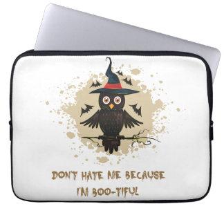 Búho lindo de Halloween con el gorra de las brujas Funda Para Ordenador