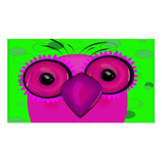 Búho púrpura enrrollado del dibujo animado en fond tarjeta de visita