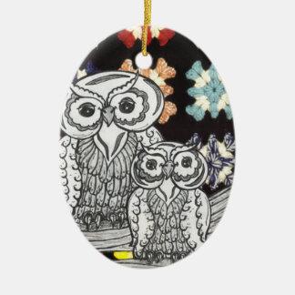 Búhos del ganchillo adorno ovalado de cerámica