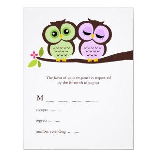 Búhos preciosos que casan tarjetas de la respuesta invitación 10,8 x 13,9 cm