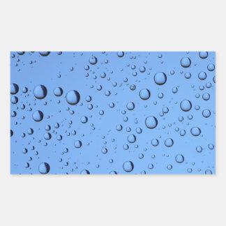 Burbujas del agua azul pegatina rectangular