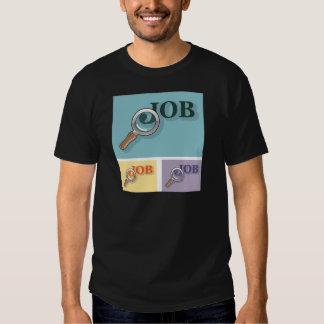 Búsqueda de trabajo bajo illustrat del vector de camiseta