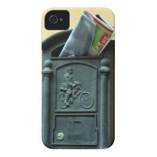 Buzón con la foto de los papeles en casamata del iPhone 4 Case-Mate cárcasas