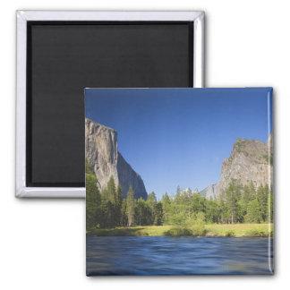 CA, Yosemite NP, opinión del valle con el EL Capit Imán Cuadrado
