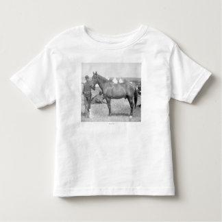 """Caballo """"Comanche"""" el único superviviente del Camiseta De Niño"""