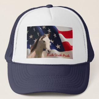 Caballo con el gorra de la bandera americana