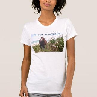 Caballo en la playa de la camiseta de la playa