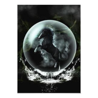 Caballo negro hermoso en una burbuja invitación 12,7 x 17,8 cm