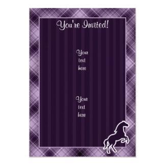 Caballo púrpura invitación 12,7 x 17,8 cm