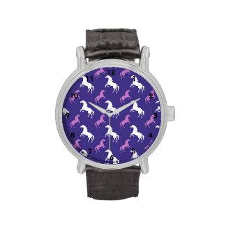 Caballo púrpura y blanco violeta; Ecuestre Relojes De Pulsera