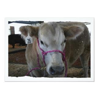 Cabeza blanca de la vaca tirada en la feria del comunicado personalizado