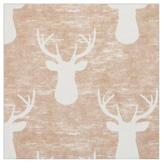 Cabeza de los ciervos en modelo de la corteza tela