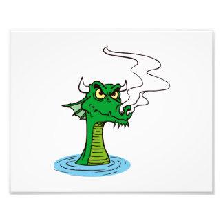 cabeza del dragón fuera del agua horned.png fotografias