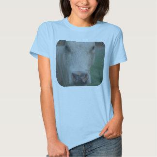 Cabeza grande de la vaca camiseta