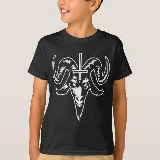 Cabeza satánica de la cabra con la cruz (blanca) camiseta