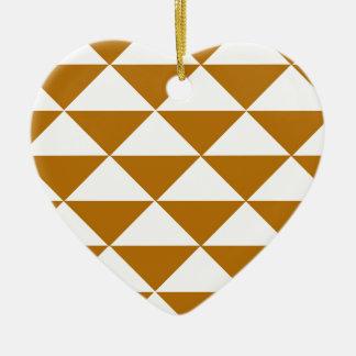 Cacao y triángulos blancos adorno de cerámica en forma de corazón
