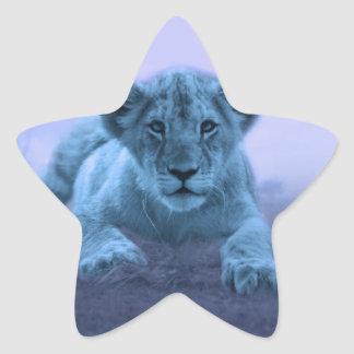 Cachorro de león lindo del bebé pegatina en forma de estrella