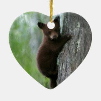 Cachorro de oso en árbol adorno navideño de cerámica en forma de corazón