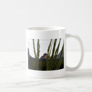 cactus sobre la roca de Bell Taza Clásica