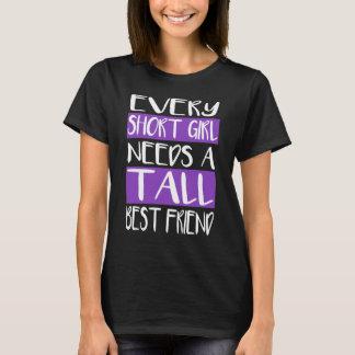 Cada chica corto necesita las camisetas altas de