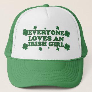 Cada uno ama un gorra irlandés del chica