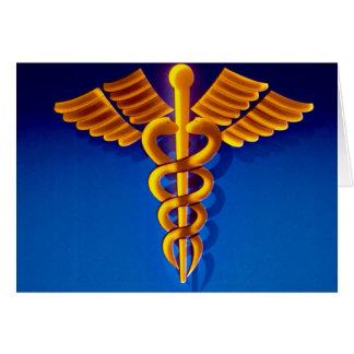 Caduceo del oro sobre fondo médico azul tarjeta de felicitación