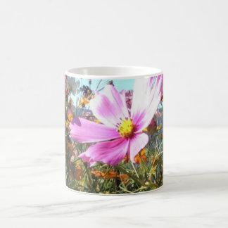 Café de los wildflowers del verano/taza del té taza de café