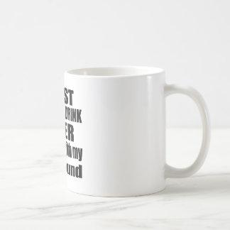 Caída con mi raposero taza de café