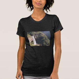 Caídas en Caracol, el Brasil, cascada de Caracol e Camiseta