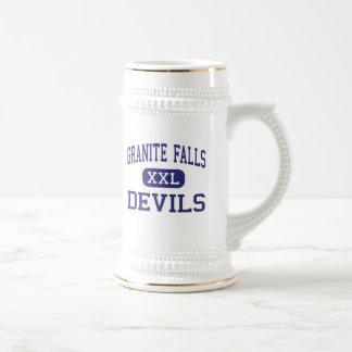 Caídas medias del granito de los diablos de las jarra de cerveza