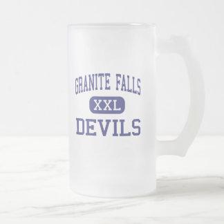 Caídas medias del granito de los diablos de las taza de cristal
