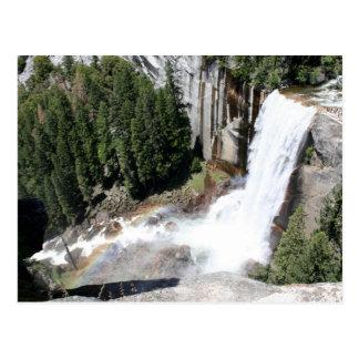 Caídas vernales, parque nacional de Yosemite Postal