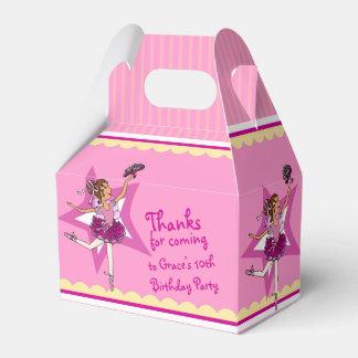 Caja amarilla rosada del favor del cumpleaños de