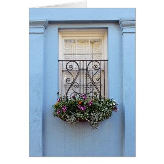 Caja de la flor de la ventana de la fila del arco tarjeta de felicitación