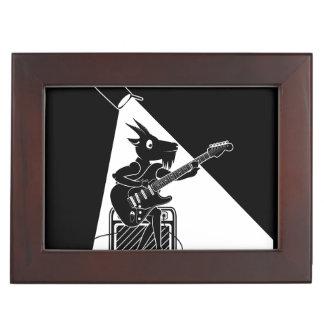 Caja De Recuerdos Cabra blanco y negro que toca la guitarra