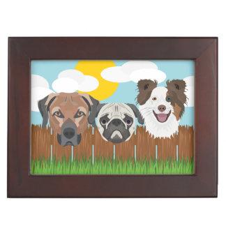 Caja De Recuerdos Perros afortunados del ilustracion en una cerca de