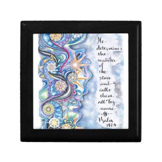 Caja De Regalo 147:4 del salmo él llama las estrellas por nombre