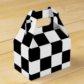 Caja de regalo a cuadros blanco y negro del fiesta