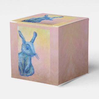 caja de regalo azul del conejo