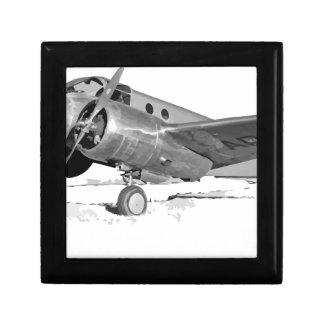 Caja De Regalo Beechcraft_AT-10_Wichita_on_the_ground_c1942