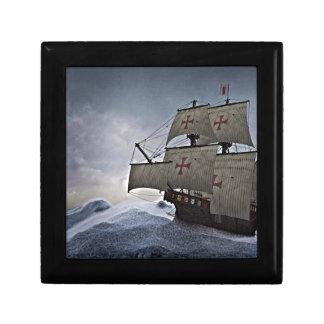 Caja De Regalo Carrack medieval en la tormenta