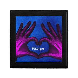 Caja De Regalo Corazón púrpura de la radiografía de la mano