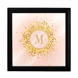 Caja De Regalo Efecto metalizado de oro subió monograma del