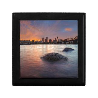 Caja De Regalo Portland U horizonte a lo largo de la puesta del