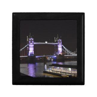 Caja De Regalo Puente de la torre, Londres