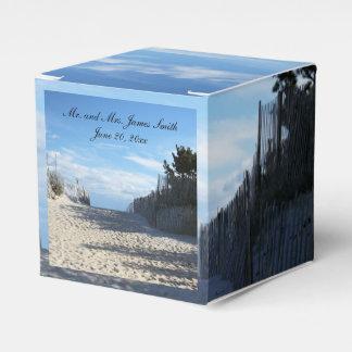 Caja del favor de la entrada de la playa