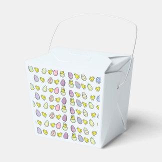 Caja del favor de los huevos y de los polluelos de