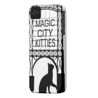Caja mágica del teléfono de los gatitos de la carcasa para iPhone 4 de Case-Mate